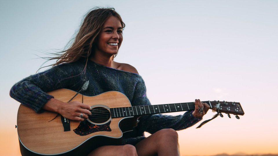 «Nunca dejes tu Grupo de Amigos» Entrevista a SOFÍA ELLAR