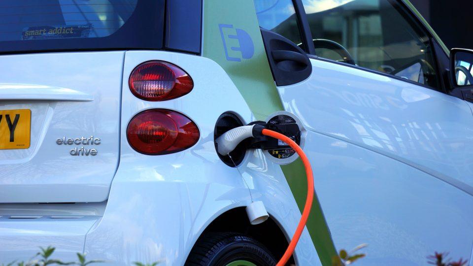 ¿Los coches eléctricos contaminan?