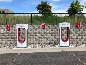 Poste de recarga de coche eléctrico de Tesla