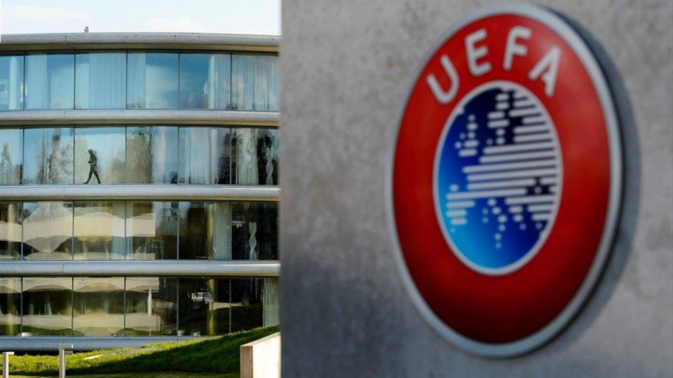 El coronavirus pone en jaque a la Champions League