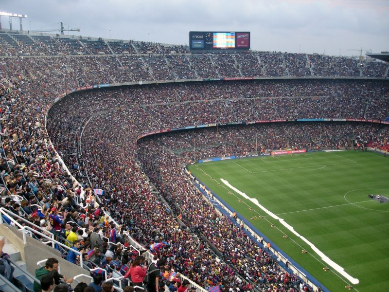 El coronavirus llega a los salarios de los futbolistas