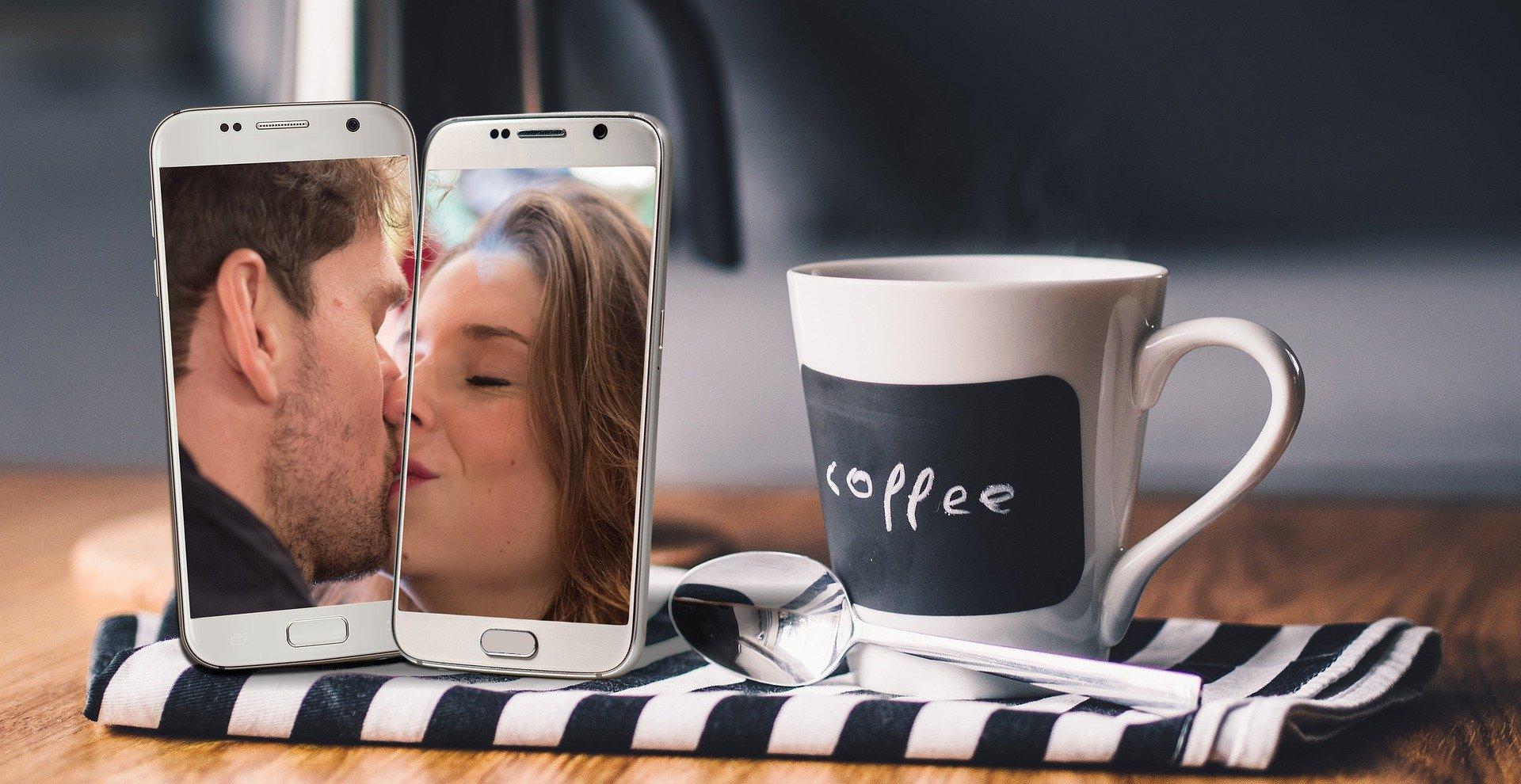 social distancing smartphone apps