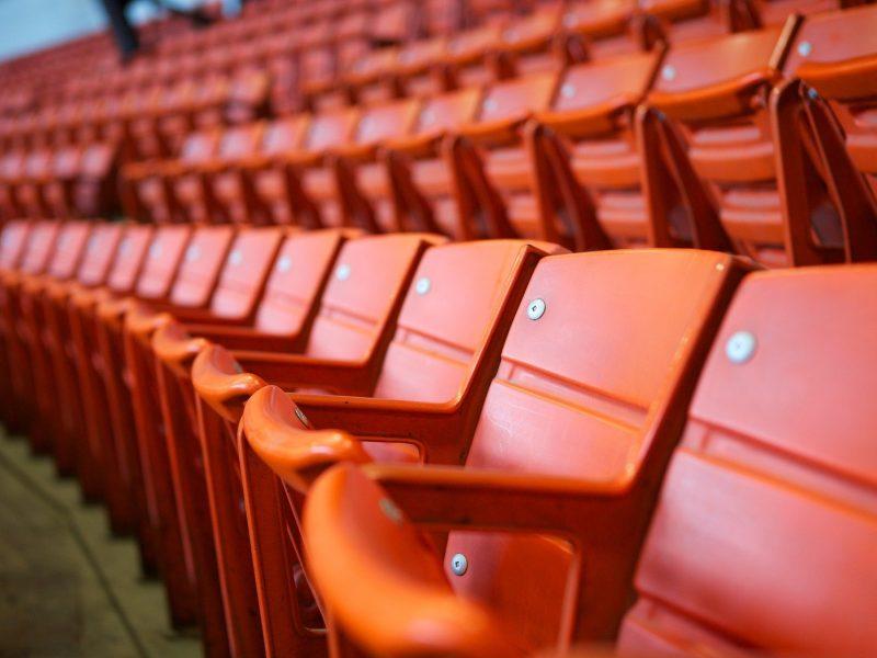 El coronavirus pone contra las cuerdas al mundo del fútbol