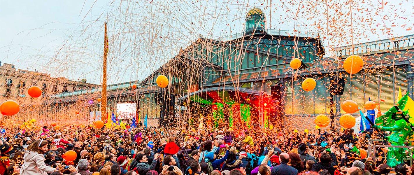 Celebración del Carnaval en El Barrio del Borne, Barcelona 2020/ ok Apartmentos