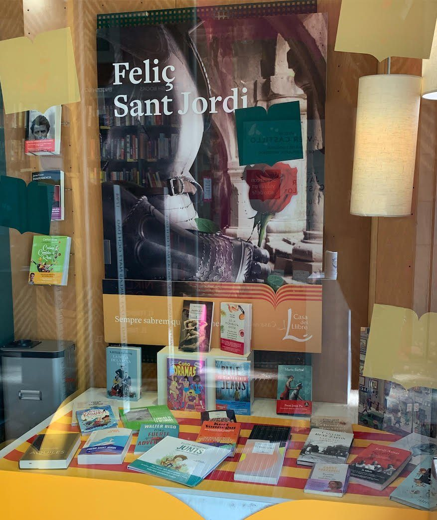 Escaparate de La casa del libro en Passeig de Gràcia, Barcelona / Aulanews